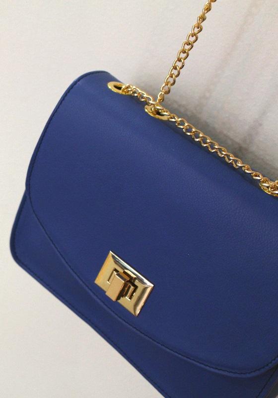 bolso-azul-bandolera-cadena