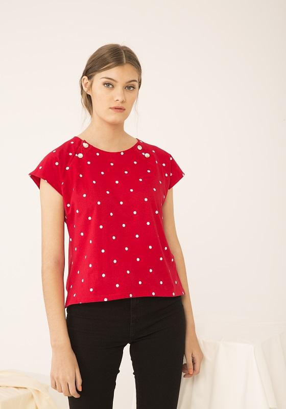 Camiseta-roja-topos-blancos-naos
