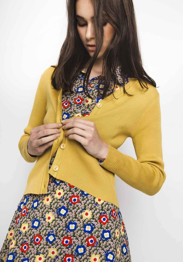 chaqueta-cuqui-amarilla