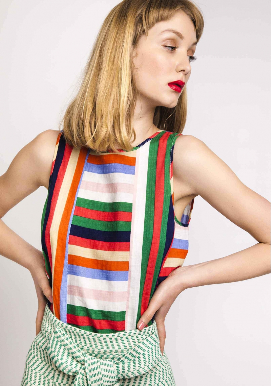 top-rayas-verticales-multicolor-sin-mangas