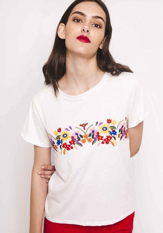 camiseta-blanca-bordado-flores