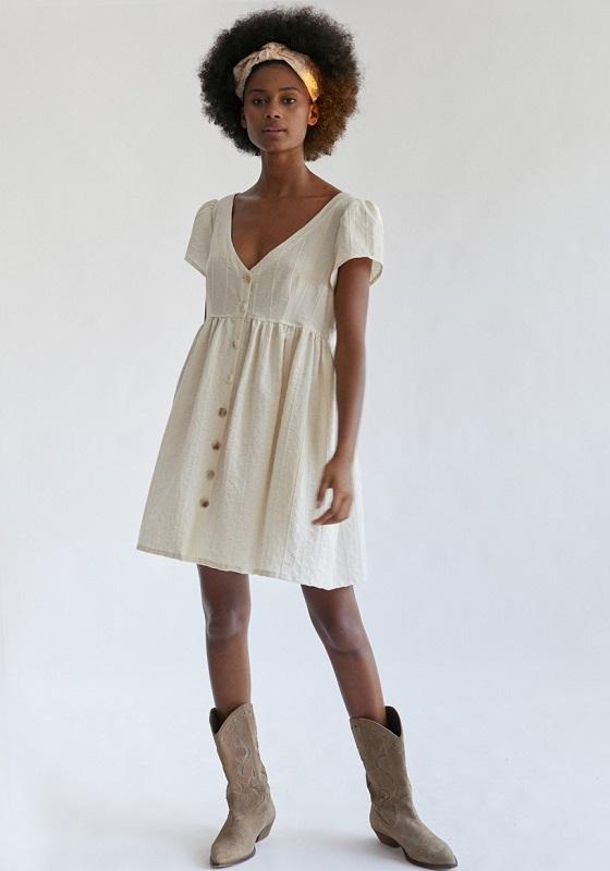 vestido-corto-botones-lupe