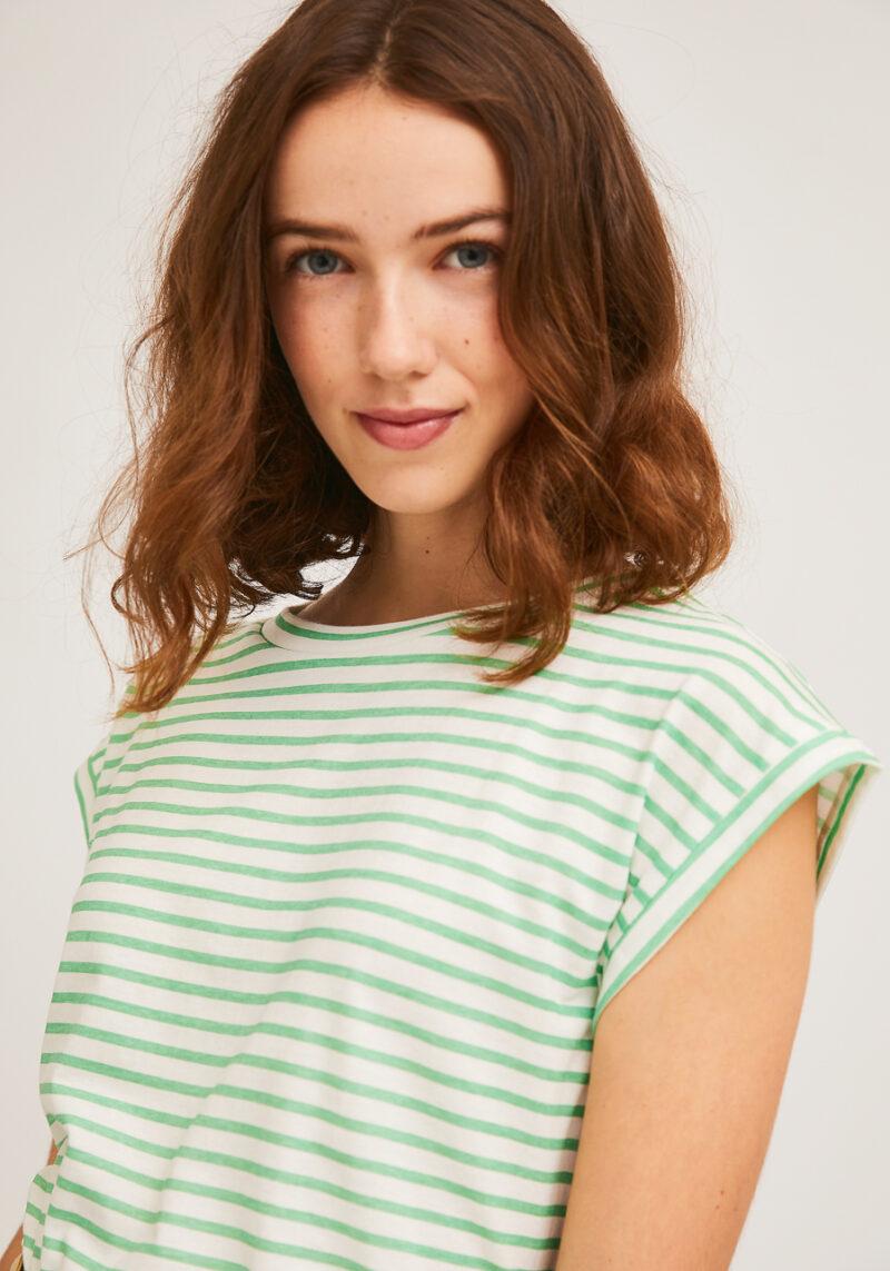 camiseta-rayas-verdes-blancas