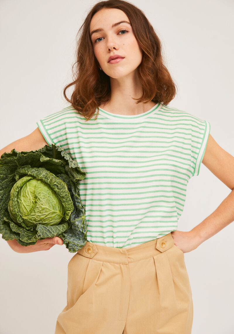camiseta-sin-mangas-rayas-verdes-blancas