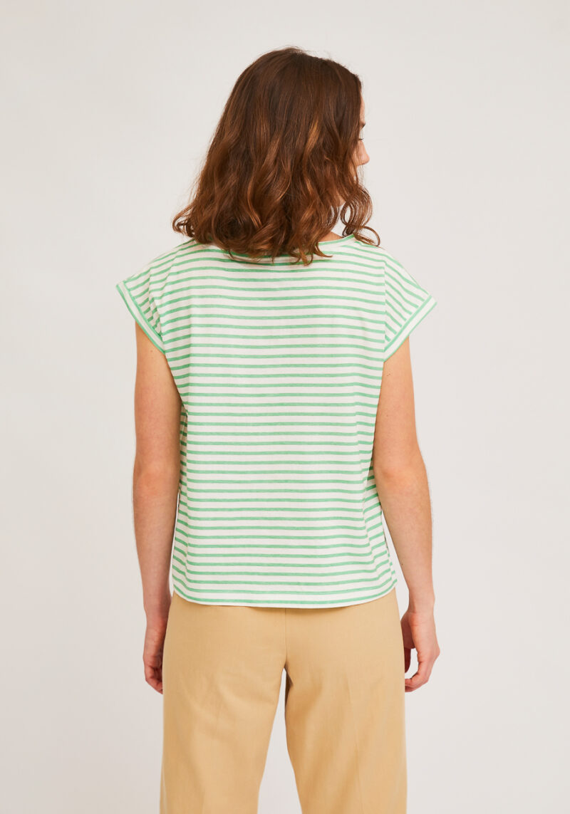 camiseta-sin-mangas-verde-rayas