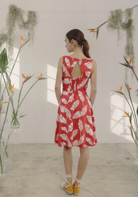 vestido-rojo-estampado-hojas