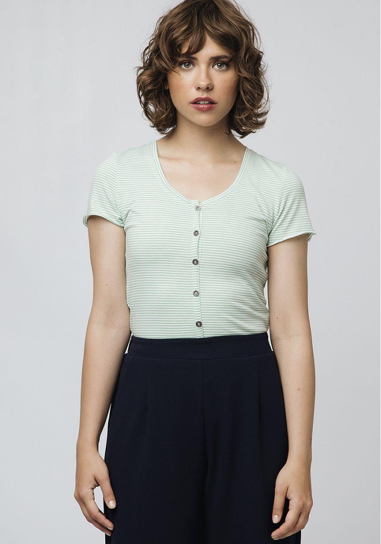 camiseta-rayas-verdes-ajustada
