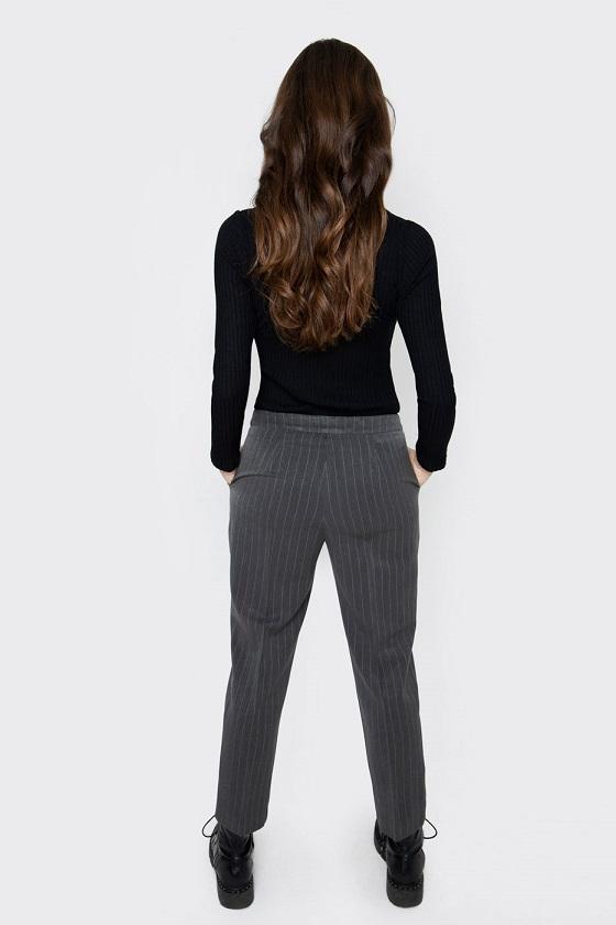 pantalones-gris-marengo-raya-diplomatic