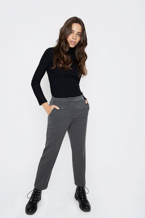 pantalones-grises-raya-elly
