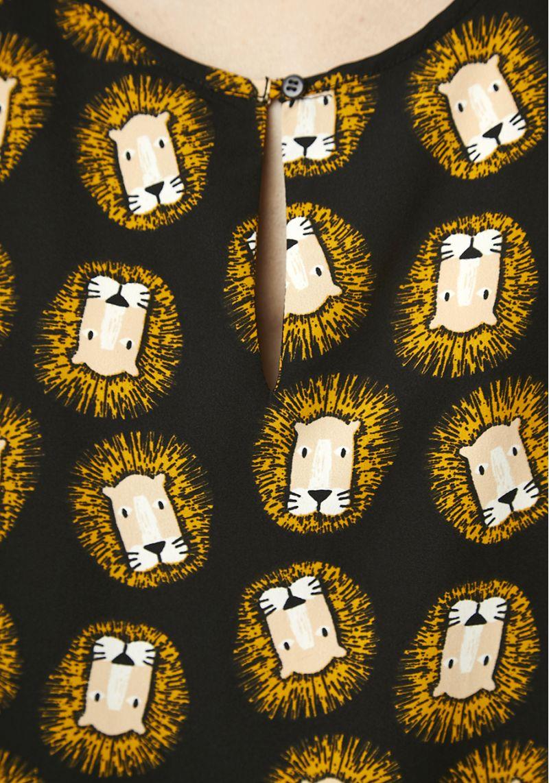 estampado-leones-blusa