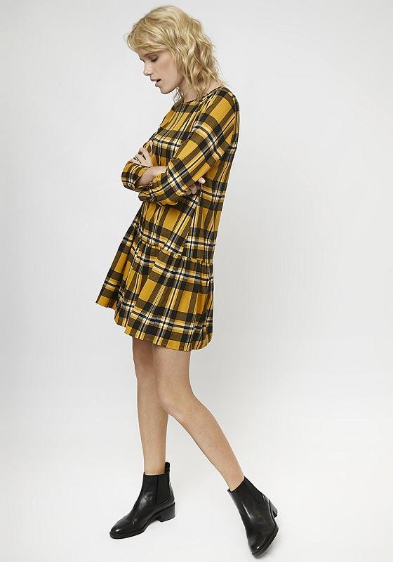 vestido-corto-cuadros-amarillos-volante