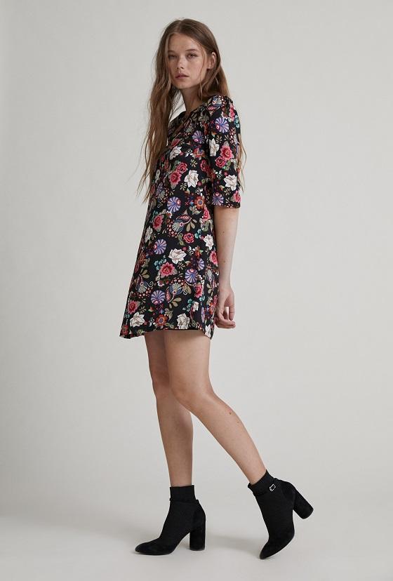 vestido-corto-flores-mangas-francesas