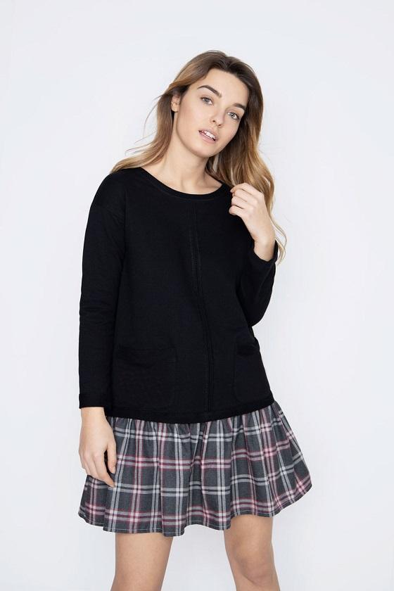 vestido-corto-sudadera-negra-falda-cuadros