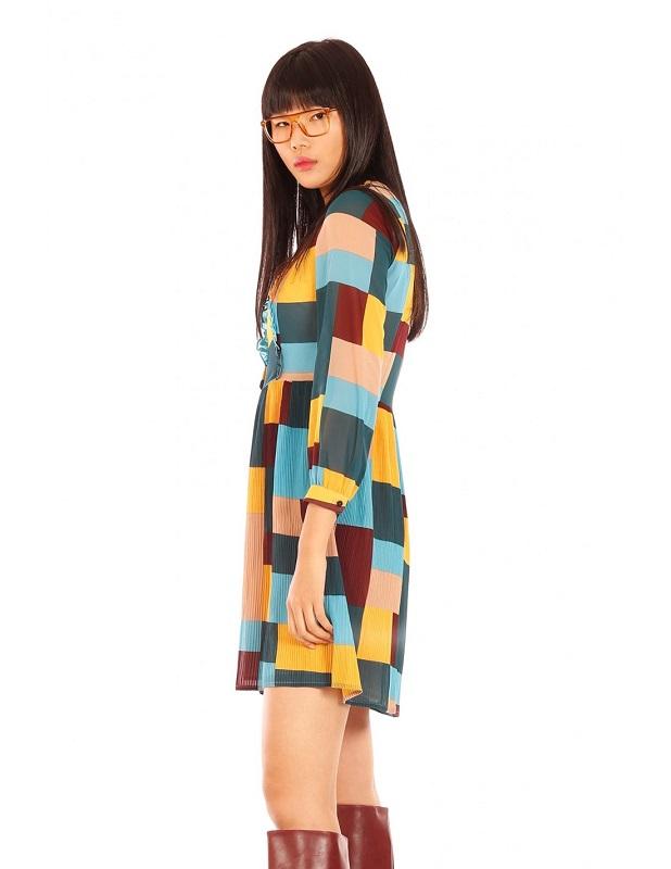 vestido-cuadros-colores-falda-plisada