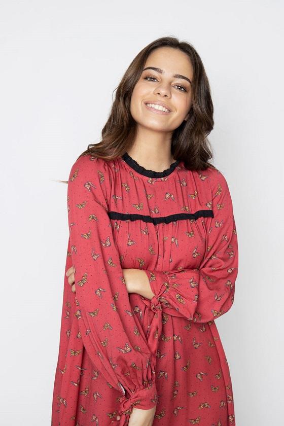 vestido-granate-estampado-mariposas-escote-redondo