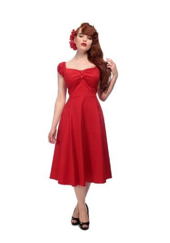 vestido-rojo-pin-up-escote-corazon