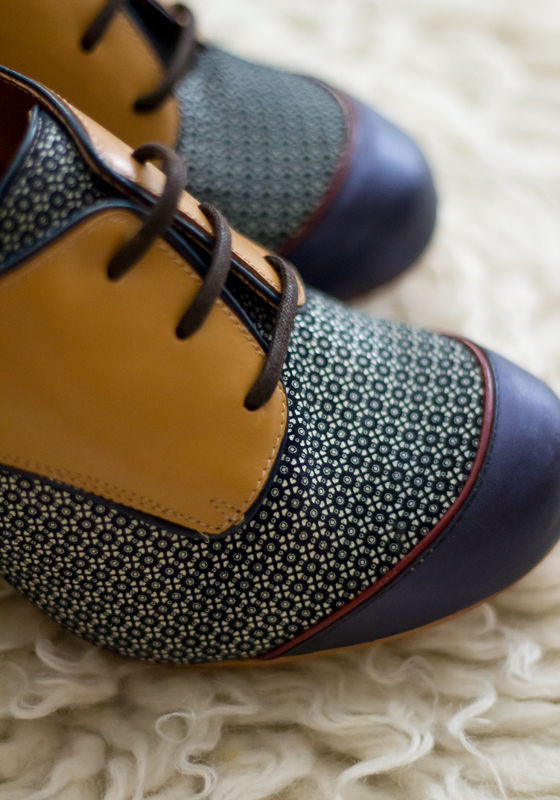 zapatos-swing-cordones-alto-marron-azul