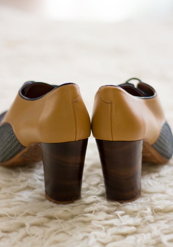 zapatos-tacon-pinup-azul-marron