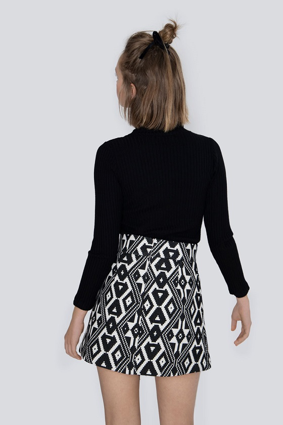 falda-anna-estampado-etnico-negro