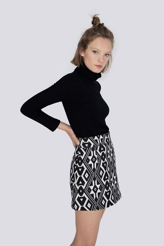 falda-corta-anna-estampado-negro