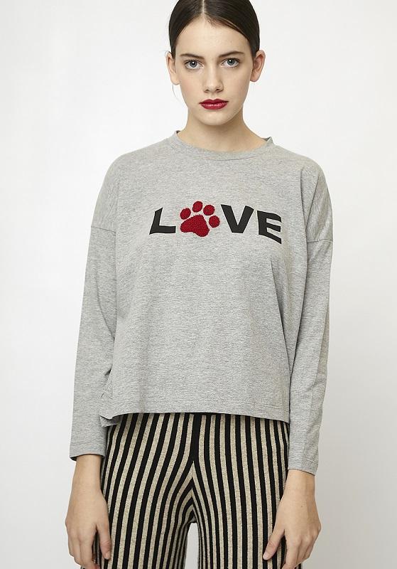 camiseta-gris-love-perro
