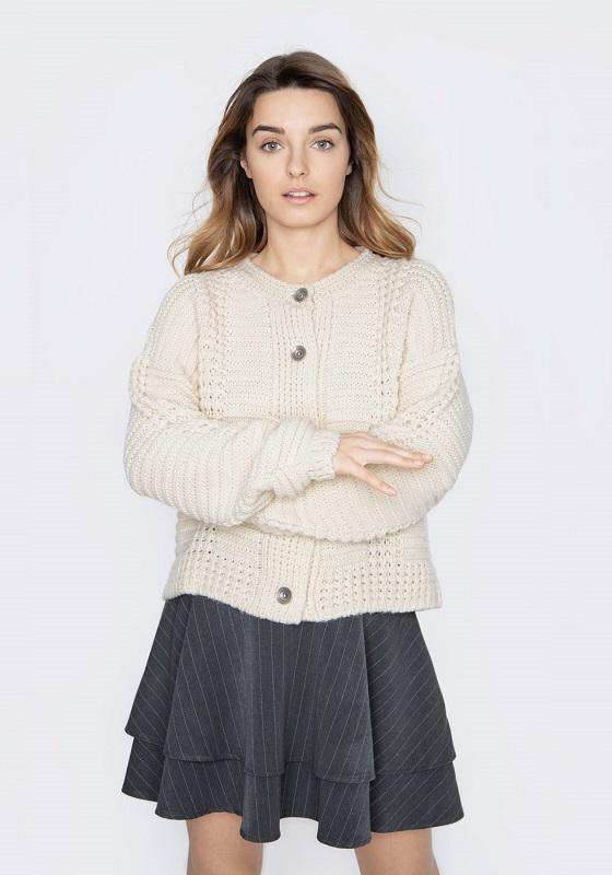 chaqueta-elsa-beige-cuello-redondo