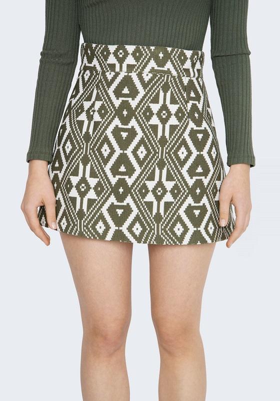 falda-corta-estampado-etnico-verde