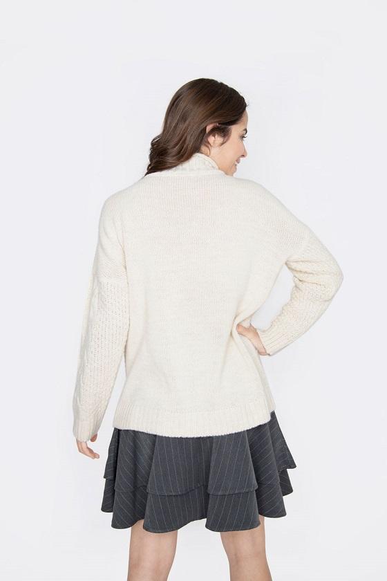 sweater-beige-cuello-medio-alto-celia