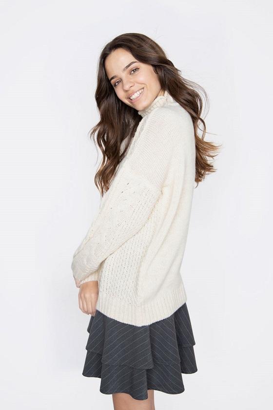 sweater-celia-beige-cuello-medio-alto