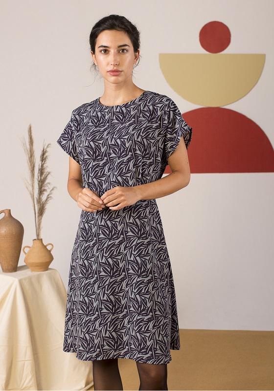 vestido-corto-estampado-hojas-elmer