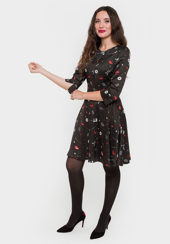 vestido-negro-estampado-rock-mangas-francesas