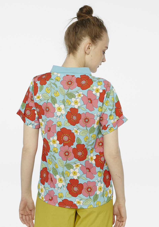 blusa-polo-estampado-flores-azul