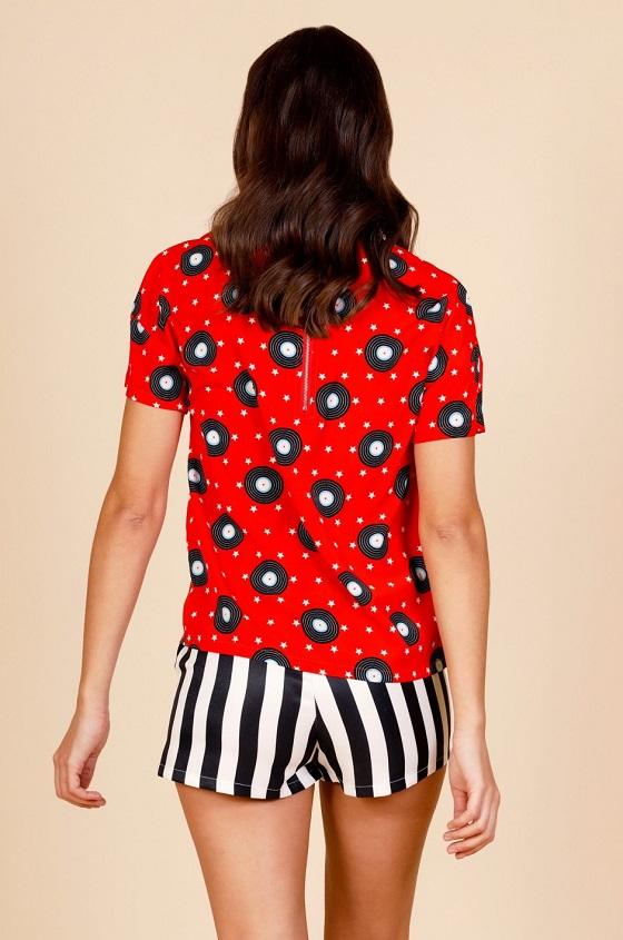 blusa-roja-estampado-vinilos