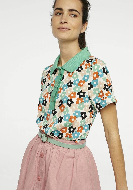 blusa-tipo-polo-estampado-margaritas