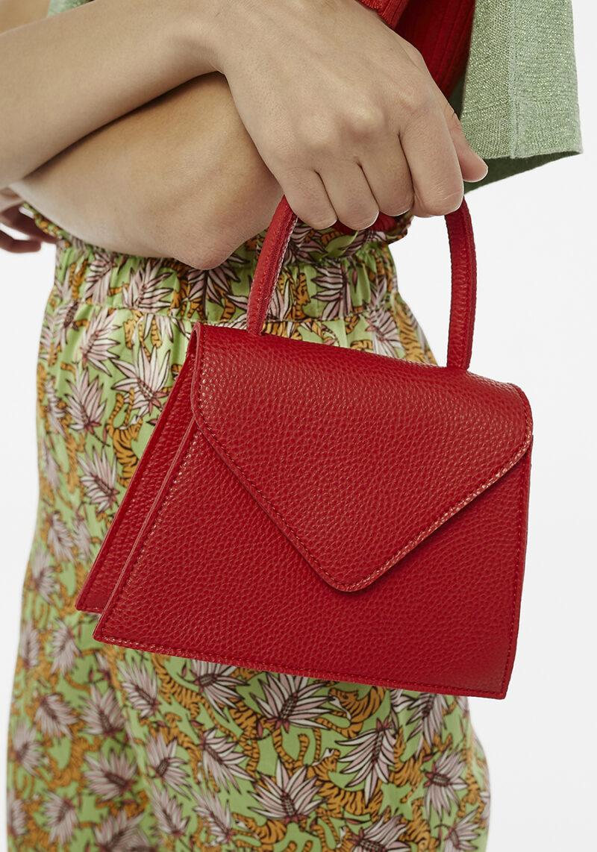 bolso-pequeño-rojo-rigido-con-asa-