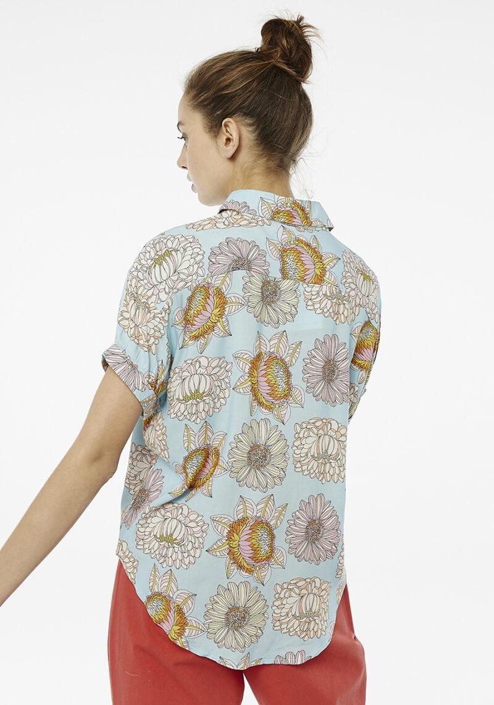 camisa-crisantemo-mangas-cortas