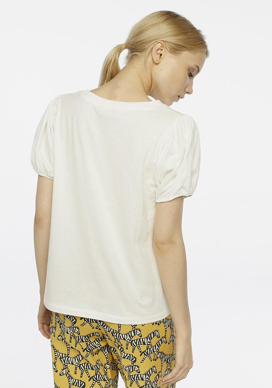 camiseta-blanca-bicho-mangas-abullonadas