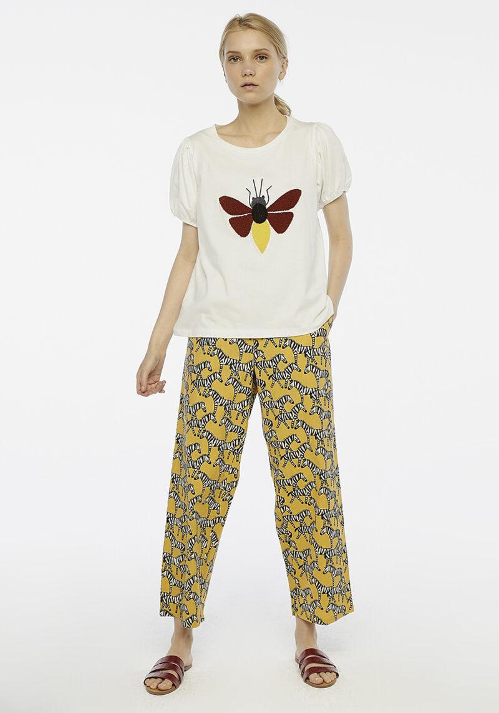 camiseta-blanca-mangas-abullonada-bicho