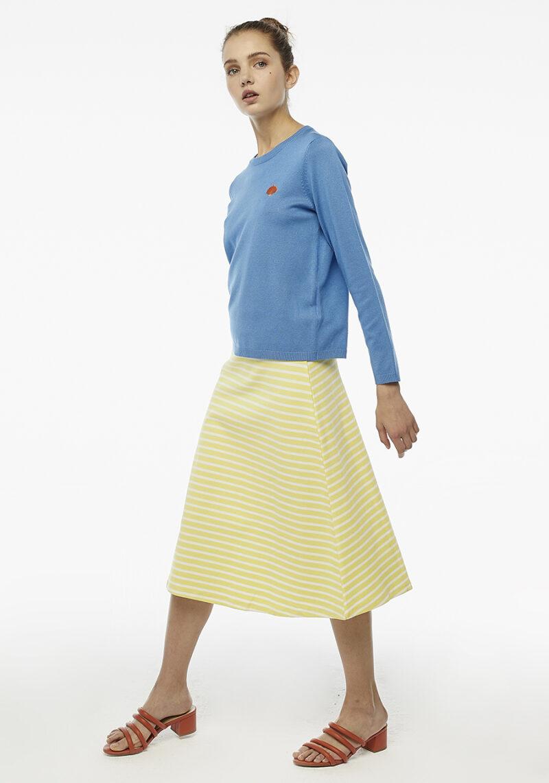 jersey-azul-con-bordado