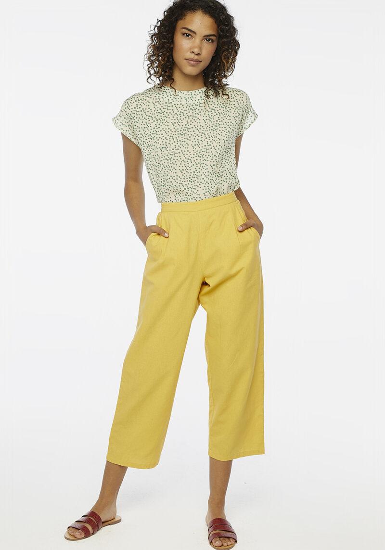 pantalones-largos-amarillos
