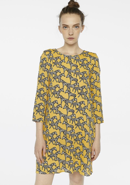 vestido-amarillo-estampado-cebras