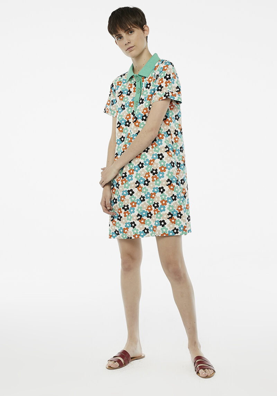 vestido-corto-estampado-margaritas
