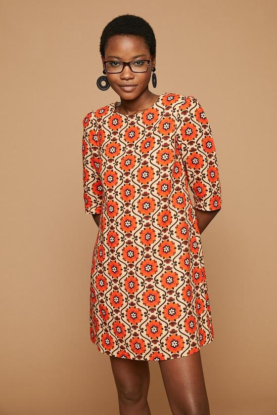vestido-corto-estampado-naranja-chaniya