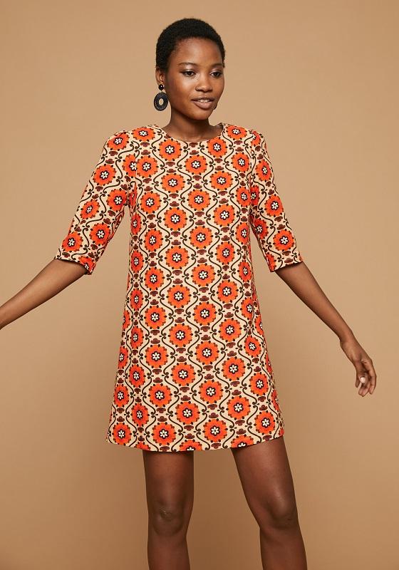 vestido-corto-estampado-retro-naranja