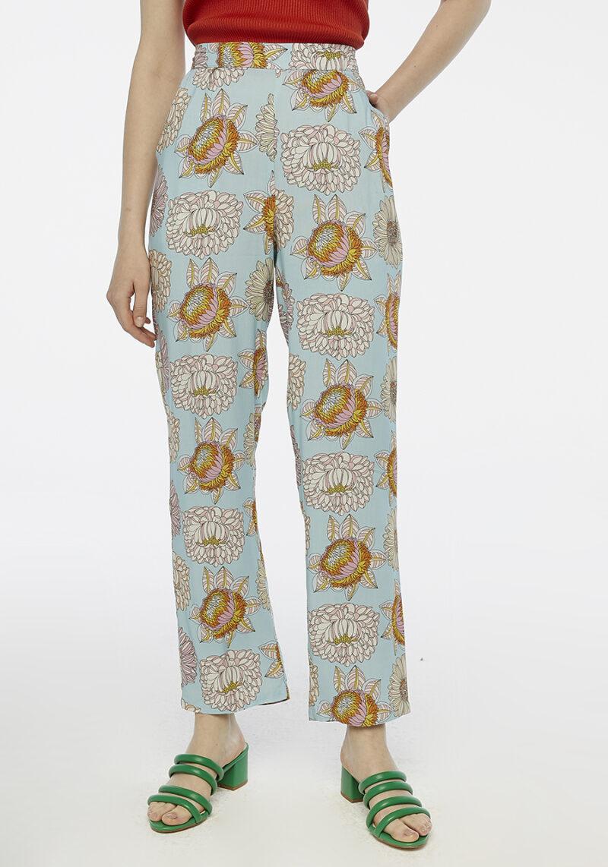 Pantalones-azul-estampado-flores