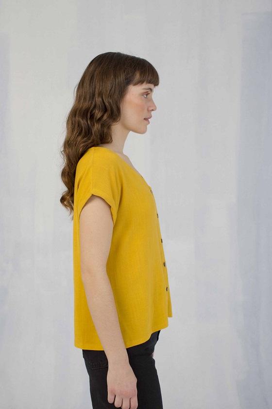 blusa-mostaza-botones