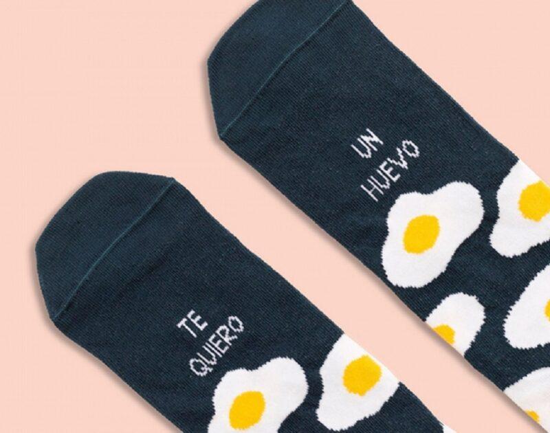 calcetines-divertidos-te-quiero-un-huevo