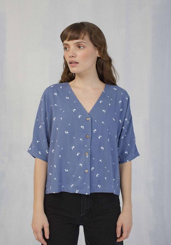 camisa-azul-mangas-cortas-palmeras