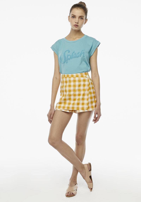 pantalones-cortos-cuadros-amarillos