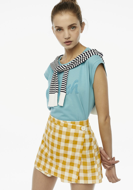 shorts-pareo-cuadros-amarillos